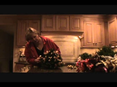 How to Make a Holiday Boxwood Tree - Decorations