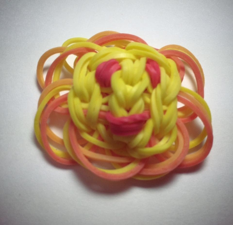 Rainbow Loom Charm: Smiling Sunshine from Made by Mommy