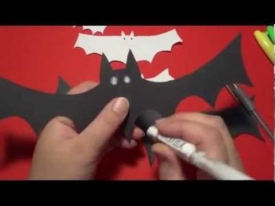 Halloween Bats : Super easy halloween crafts for kids.