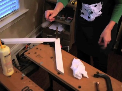 How to Assemble Picture Frame Corners : Picture Frame Crafts