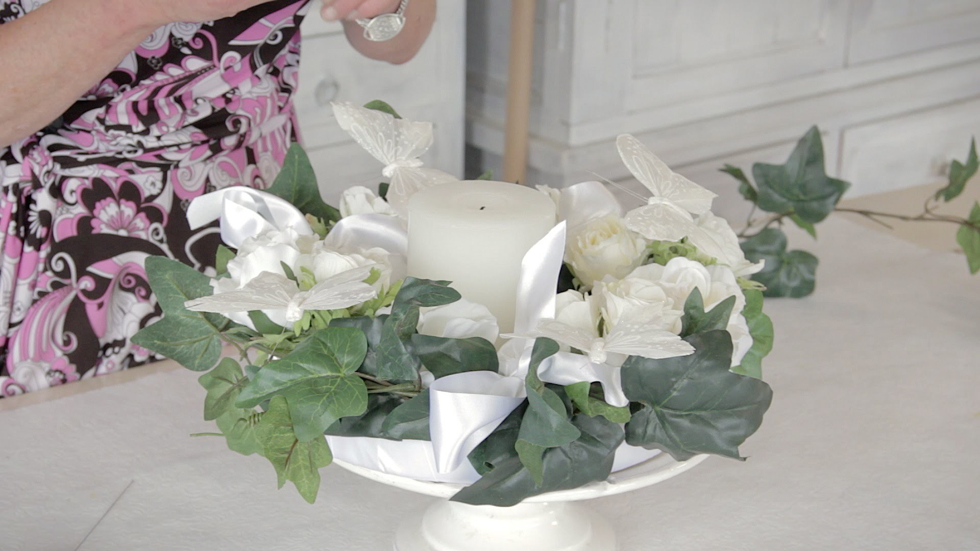 Wedding Floristry Tutorial: How to make a Wedding Table Wreath