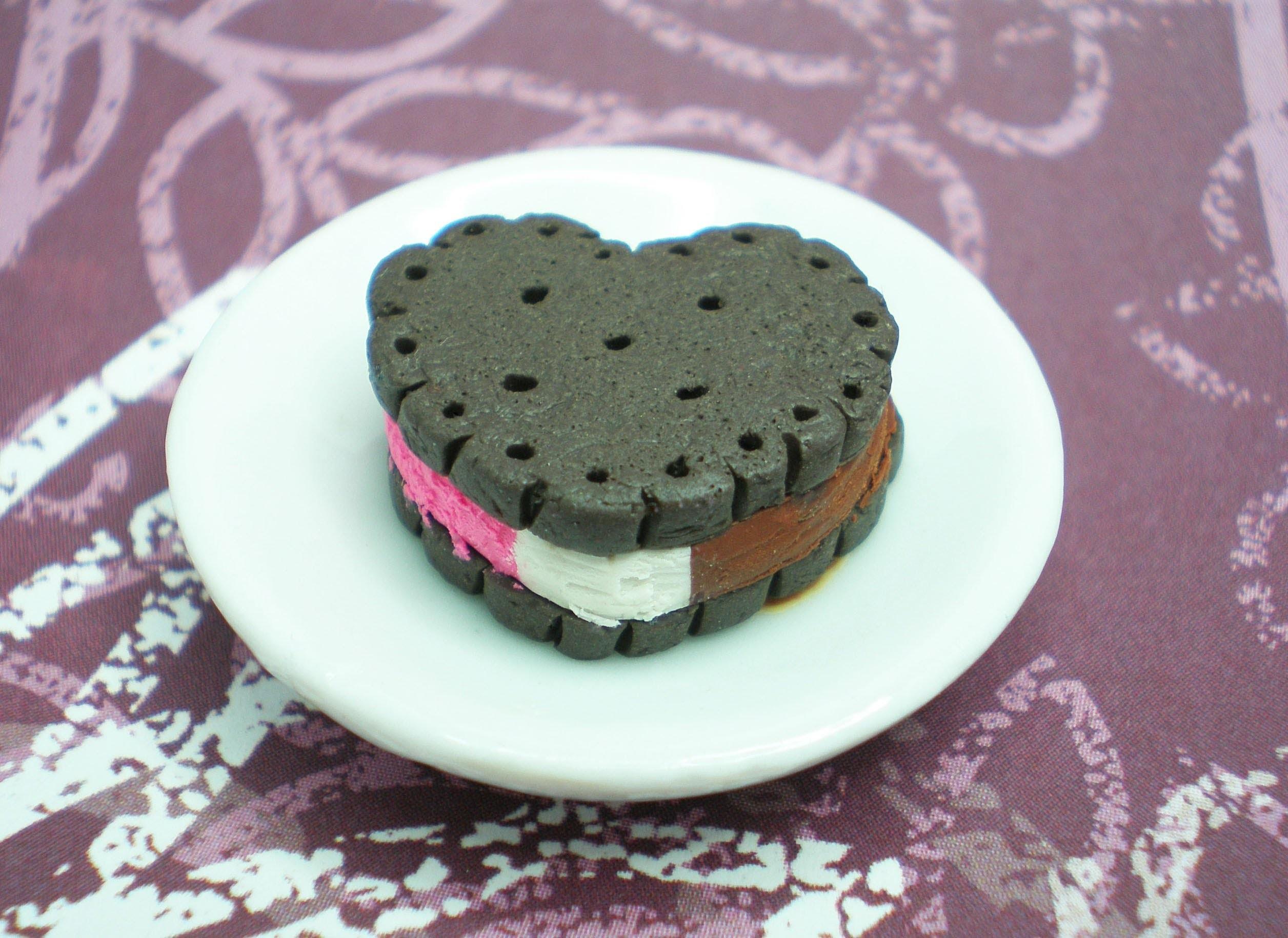 Clay Made Easy: Ice Cream Sandwich