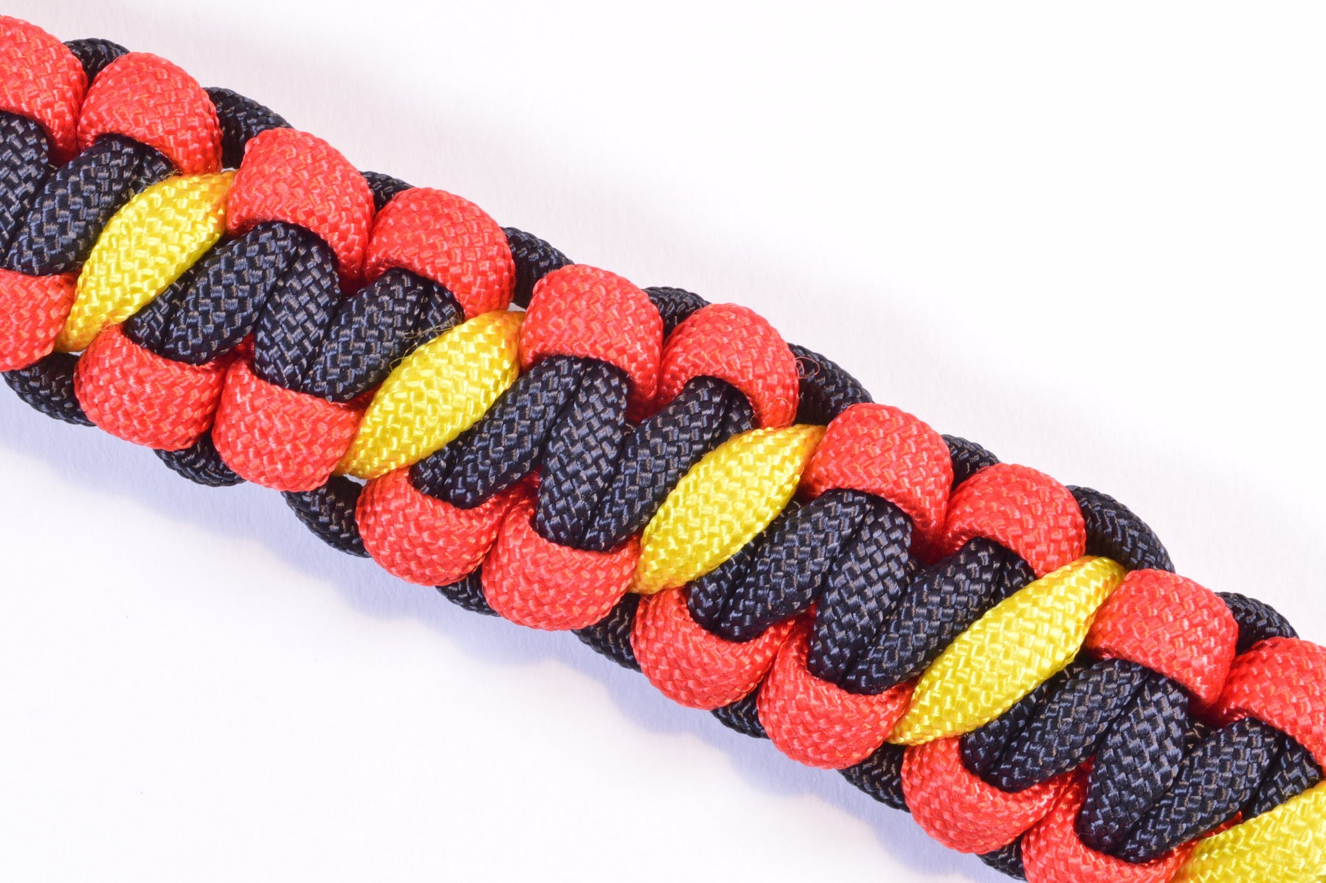 How to Make a Coral Snake Paracord Survival Bracelet - BoredParacord