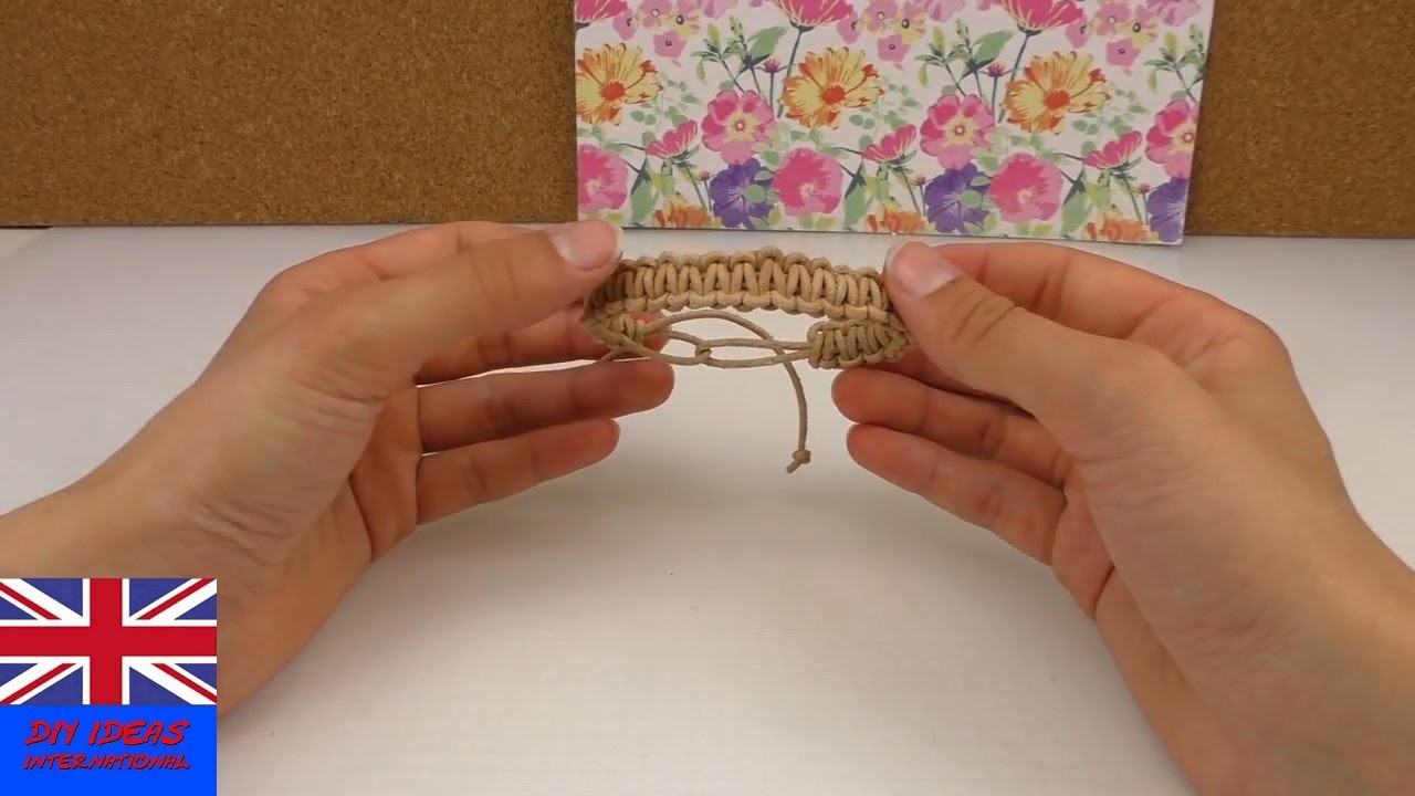 Macrame bracelet tutorial for beginners - How To Make Your Own Macrame Bracelet - Easy and Quick