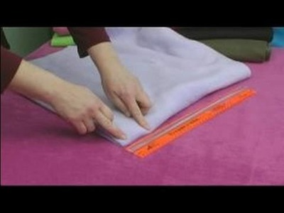 No-Sew Fleece Ponchos : Marking the Neck Hole for a Reversible Poncho