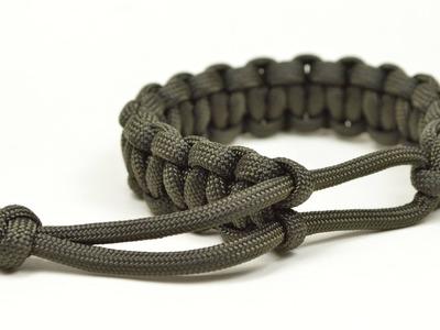 Make a Mad Max Style Paracord Survival Bracelet - Boredparacord.com