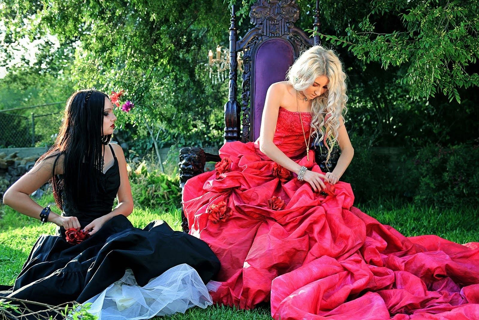 """Drowning Beautiful"" Fantasy DIYs and Wardrobe TUTORIAL!"