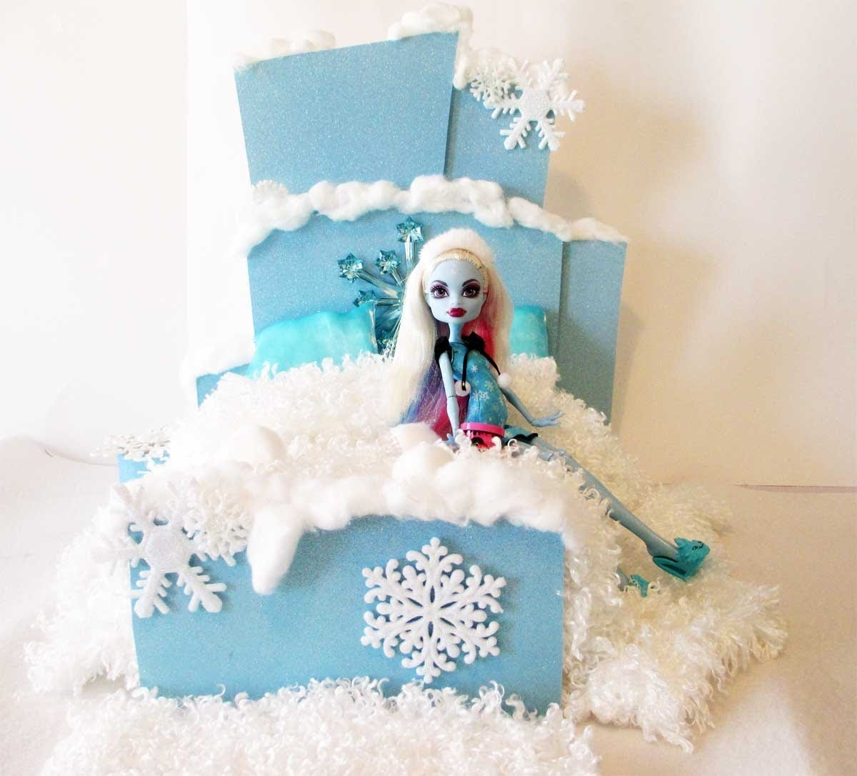 How to make a Abbey Bominable Doll Bed Tutorial.Monster High