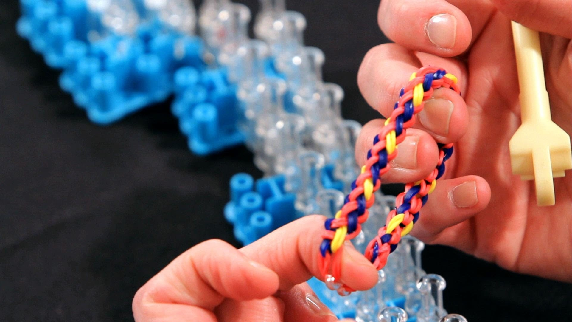 How to Make a Braid Bracelet | Rainbow Loom