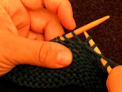 Apprendre à tricoter : Une augmentation au point envers sur une maille au point envers