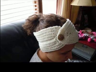 Crochet headband pattern with button closure