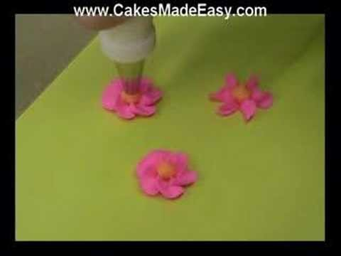 Learning the Secrets to Cake Decorating