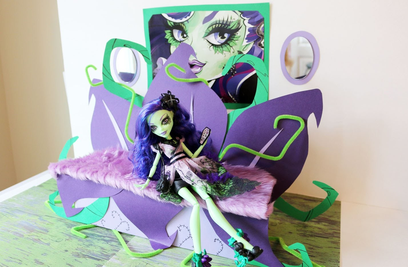 How To Make a Amanita Nightshade Doll Bed Tutorial - Monster High