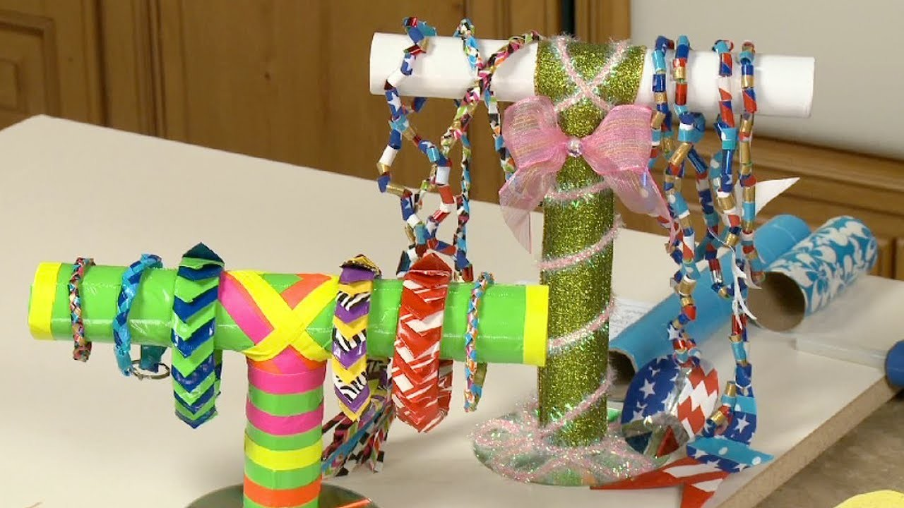Sophie's World: Duct tape jewelry stand