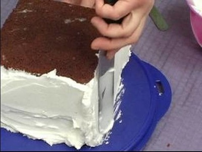 Cake Decoration Tips : How to Add Base Cake Frosting