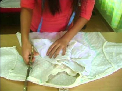 Turn an oversized kurta into a kameez