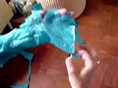 UK Reef - Making yarn from plastic bags