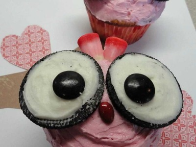 Decorating Cupcakes #83: Valentine's Day Lovebirds (owls)