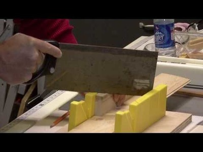 Home Improvements & Repairs : How to Use A Miter Box