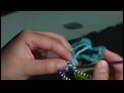 How to Crochet a Scrunchie : Starting a Single Crochet: Hair Scrunchie Pattern