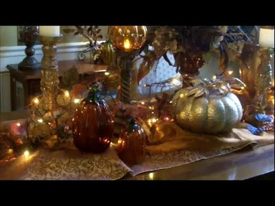 Thanksgiving.Fall Dining Room Table Decor