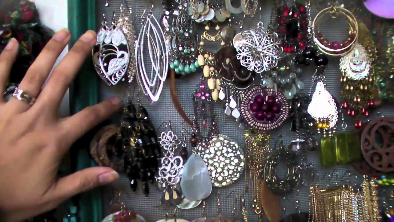 How To Organize Your Jewelry & Accessories