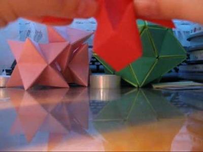 Origami christmas decoration - Folding the model