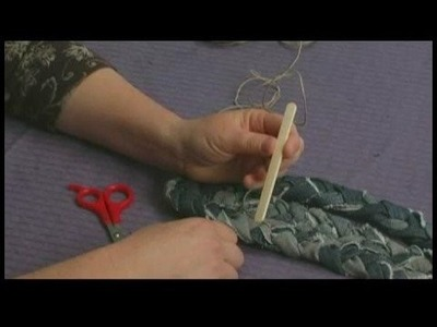 Making Area Rugs From Recycled Jeans : Braided Jeans Rug: Making Wooden Needle