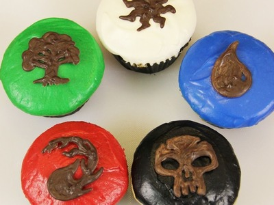 MAGIC THE GATHERING CUPCAKES - NERDY NUMMIES