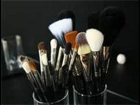 How to Clean your Makeup Brushes THE EASY AND FASTEST WAY!