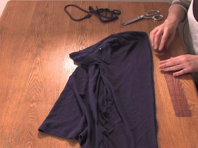 Steps for How to Cut Up T-Shirts Like a Corset Without Sewing : DIY Shirt Designs