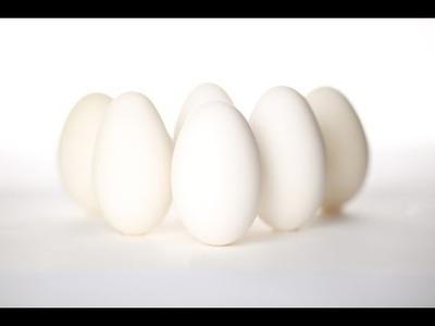 How to empty an egg - Comment vider un oeuf - Cómo vaciar un huevo
