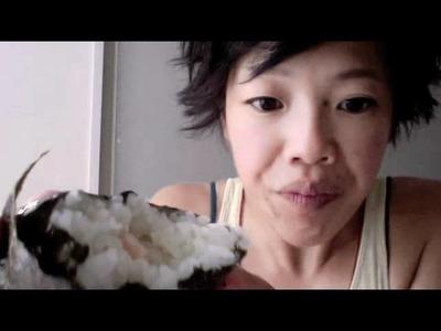 How to Unwrap an Onigiri & Maki Zushi - Whatcha Eating? #35