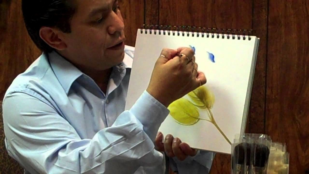 Miguel Rincon demonstrates the FAN-Dango, and Butterfly brushes.
