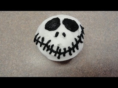 Decorating cupcakes #75: Skull. Jack Skellington (The Nightmare Before Christmas)