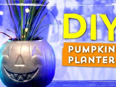 DIY Pumpkin Planter ∞ Halloween DIYs