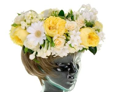 Floral Crown, the hottest trend in wedding flowers