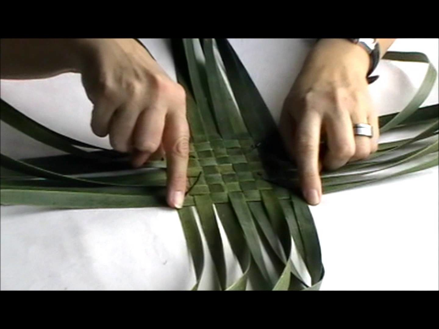 How to make a simple flax purse