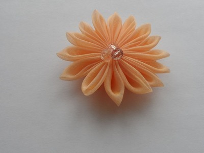 How To Make A Cute Flower Kanzashi - DIY Style Tutorial - Guidecentral