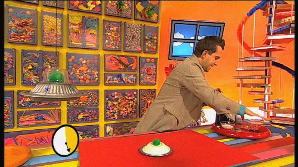 Mister Maker: How to Make a Flying Saucer