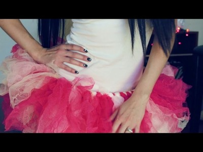 DIY Tutu out of LOOFAH BALLS! {No Sew} |12 Days of Halloween 2014