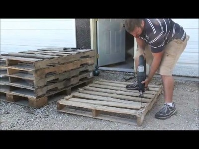 How to Dismantle Wood Pallets
