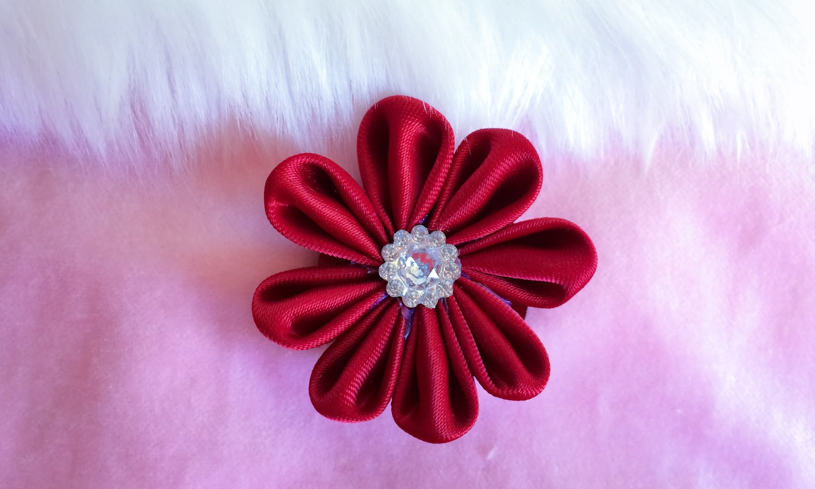 DIY: How to make a Kanzashi ribbon flower