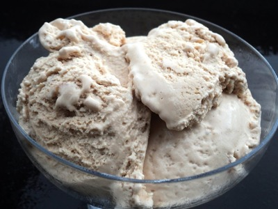 HOMEMADE SNICKERS ICE CREAM