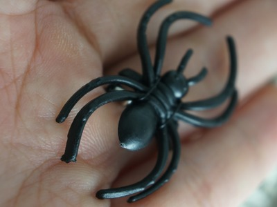 Halloween Inspiration: DIY wire wrapped spider ring