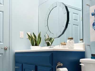 DIY Mirror Makeover by The Makerista