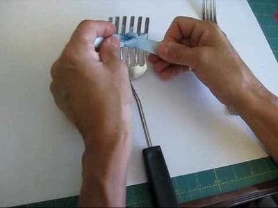 Easy Bow with a Fork by www.frenchistamps.com