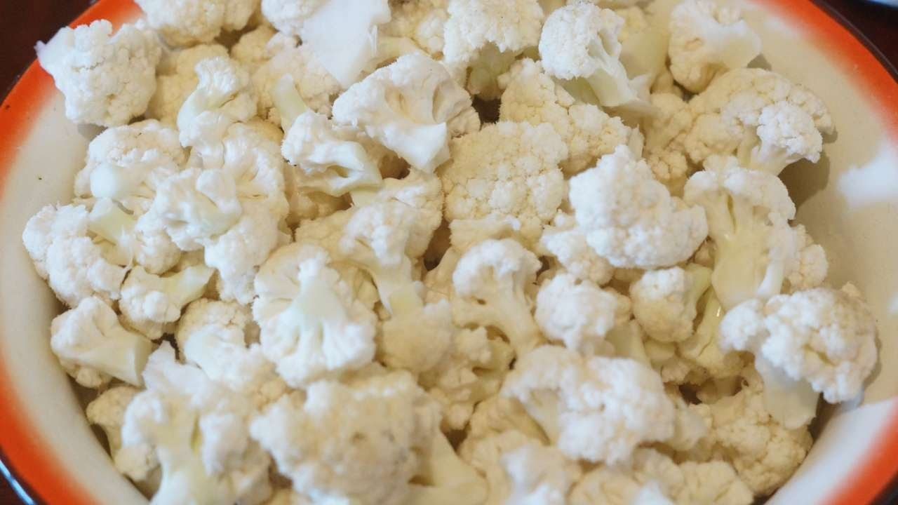 How To Freeze A Batch Of Cauliflower - DIY Food & Drinks Tutorial - Guidecentral
