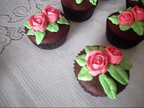Decorate cupcake using buttercream (how to!), it's easy! very fun!! wow!