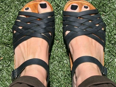 How To Rejuvinate Your Wooden Clog Sandals - DIY Style Tutorial - Guidecentral
